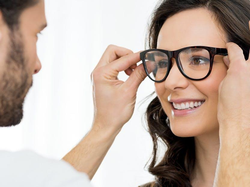Si vous commencez à avoir des problèmes de vue, contactez immédiatement  votre professionnel de la 365de5eca823