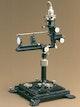 Allvar Gullstrand entwickelt das große Ophthalmoskop zur reflexfreien Beobachtung des Augenhintergrundes.
