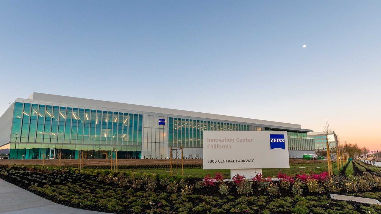 The Bay Area-based new ZEISS Innovation Center is designed to promote customer, science and employee collaborations.