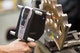 Die Ergonomie des ZEISS T-SCAN Handscanners ermöglicht ein ermüdungsfreies, auch an schwer zugänglichen Bereichen