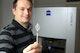 Damit die winzige Reitan-Katheterpumpe zuverlässig in der Hauptschlagader von Infarktpatienten arbeitet, müssen ihre mehr als 50 Einzelteile höchst präzise gefertigt sein.